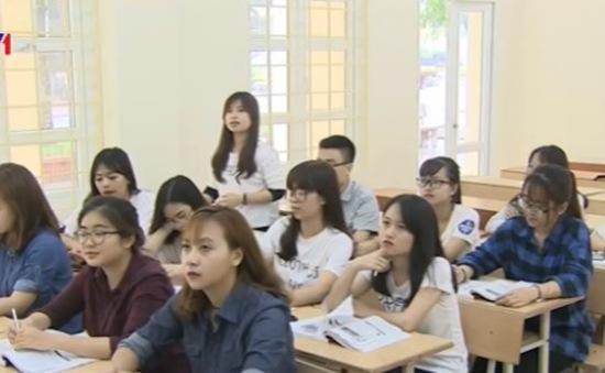 """Nhiều sinh viên báo chí có nguy cơ """"treo bằng"""" vì ngoại ngữ"""