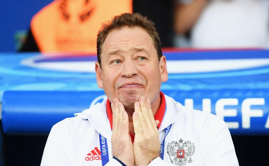 Lộ diện HLV đầu tiên mất việc sau EURO 2016