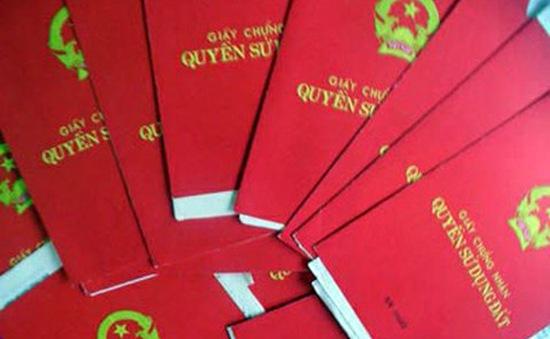 """Kỷ luật nhiều cán bộ vụ sổ đỏ """"mất tích"""" ở Phú Xuyên"""