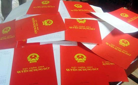 TP.HCM kiến nghị phân cấp cho quận, huyện cấp sổ hồng