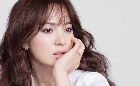 Song Hye Kyo tổ chức họp fan kỷ niệm 20 năm vào nghề