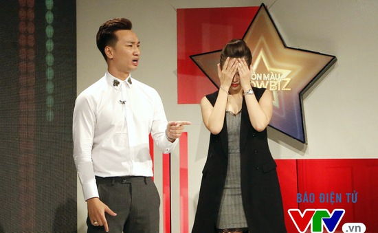 """MC Thùy Linh khổ sở đòi chia tay """"đại gia"""" Thành Trung"""