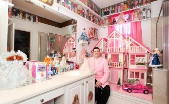 Gặp anh chàng mê sưu tập búp bê Barbie