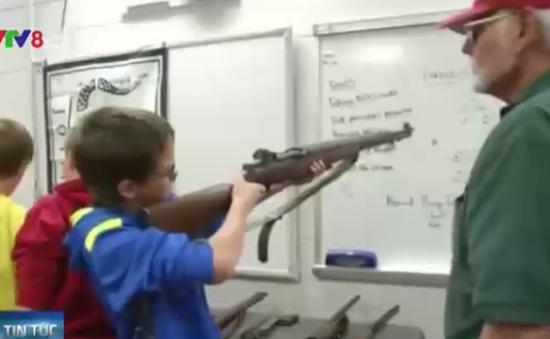 Mỹ: Trường học dạy học sinh sử dụng... súng săn