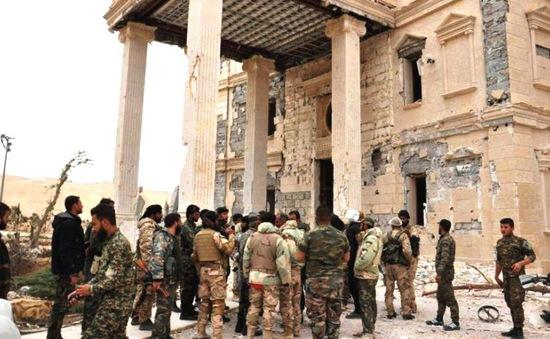 Quân đội Syria tái chiếm thành cổ Palmyra