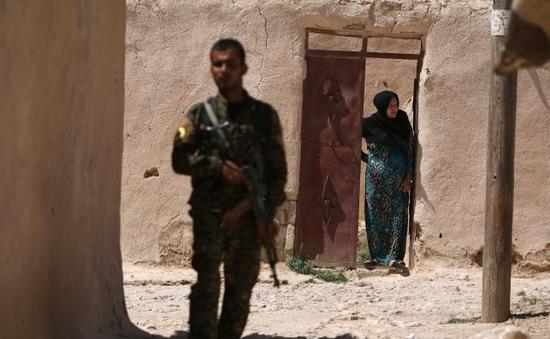 Syria: Hàng chục nghìn dân thường mắc kẹt tại thành phố Manbij
