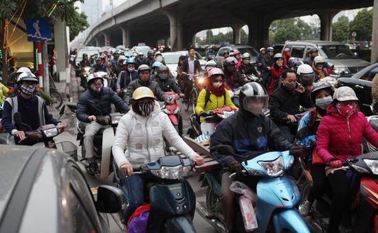 Giao thông Hà Nội ngày cuối năm: Ùn tắc các tuyến vào nội đô