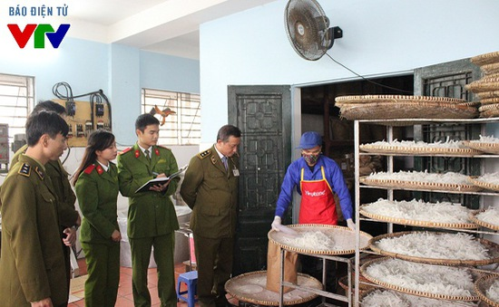 Phát hiện 250 vụ vi phạm ATVSTP tại Vĩnh Long