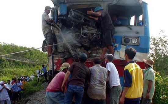 Hà Nội: Tai nạn đường sắt nghiêm trọng, 4 người thiệt mạng