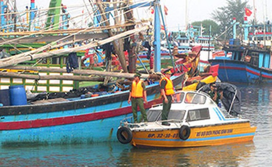 Bình Định giúp ngư dân tránh trú bão