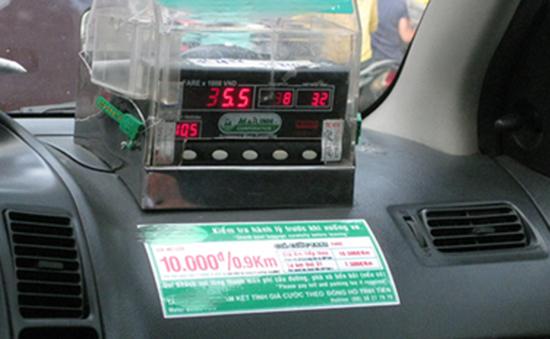 Taxi phải in hóa đơn tính tiền cho khách từ 1/7