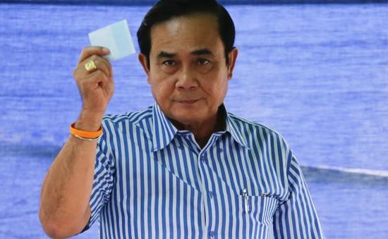 Trưng cầu dân ý - Phép thử chính trị với Thái Lan