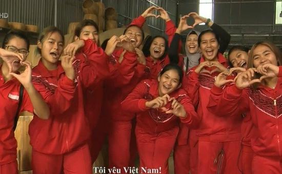 Đội tuyển Indonesia với trải nghiệm tại làng trống Đọi Tam