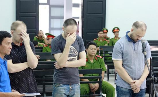 Dùng thẻ ATM giả rút tiền, 3 người Nga bị phạt tù