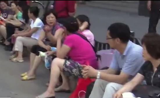 Nở rộ dịch vụ bảo mẫu mùa thi tại Trung Quốc