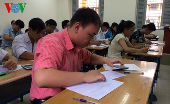 Kỳ thi THPT Quốc gia: Tranh cãi đề xuất bỏ phần tự luận môn tiếng Anh