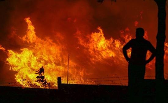 Thổ Nhĩ Kỳ: Nổ lớn gây cháy dữ dội gần căn cứ NATO