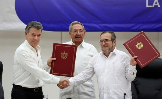 Tổng thống Colombia ra lệnh ngừng bắn với FARC