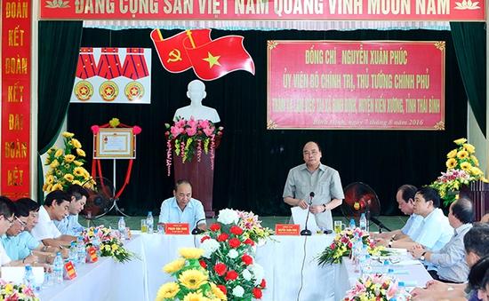 Thủ tướng khảo sát mô hình nông thôn mới tại Thái Bình
