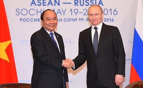 Thủ tướng Nguyễn Xuân Phúc hội kiến Tổng thống Nga