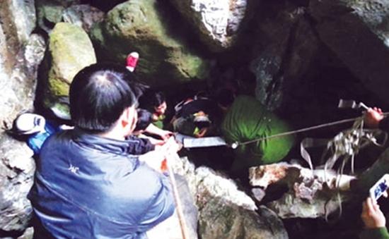 Cứu nạn thành công người thám hiểm dưới hang sâu