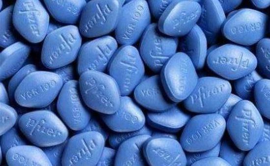 Đột kích ổ làm thuốc Viagra giả lớn nhất thế giới
