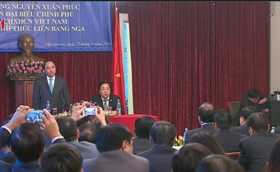 Thủ tướng gặp gỡ cán bộ nhân viên sứ quán và kiều bào tại Nga