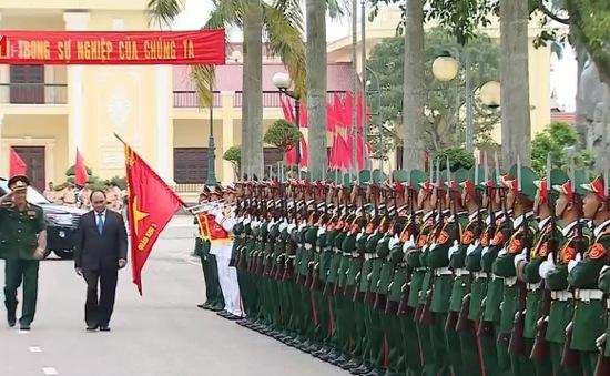 Thủ tướng thăm Quân khu 3