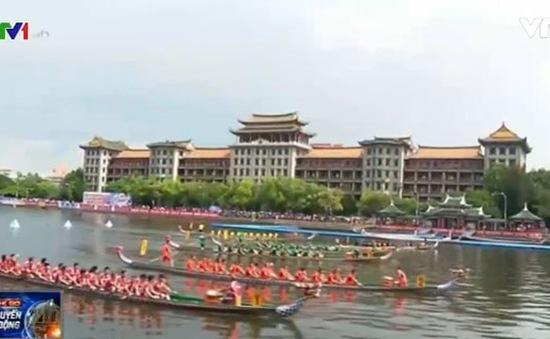 Những hình ảnh đẹp mắt tại lễ hội đua thuyền ở Trung Quốc