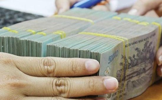 Cách chức Chủ tịch xã rút ruột 125 triệu đồng tiền ngân sách