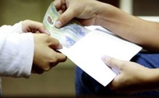 Hà Tĩnh: Khởi tố 2 thanh tra giao thông nhận hối lộ