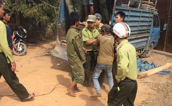 Đăk Lăk: Côn đồ tấn công kiểm lâm, cướp xe gỗ lậu