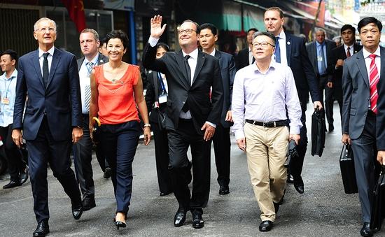 Tổng thống Pháp  Francois Hollande thăm phố cổ Hà Nội