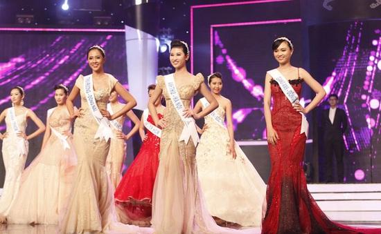 Top 18 Hoa khôi áo dài Việt Nam hào hứng bước vào tuần học đầu tiên