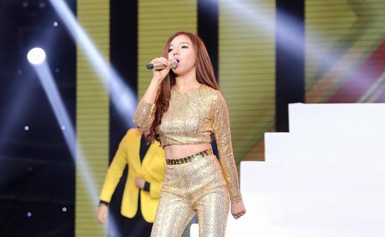 """Nhân tố bí ẩn: Giọng ca 16 tuổi Minh Như áp đảo giám khảo bằng giọng hát """"khủng"""""""