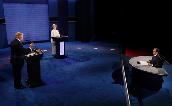 Trump và Clinton công kích gay gắt lẫn nhau trong cuộc tranh luận cuối cùng