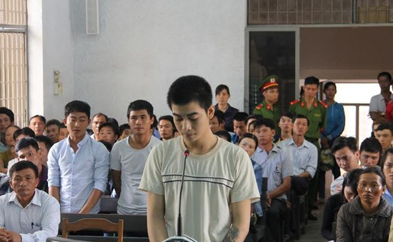 Đăk Lăk xét xử sơ thẩm vụ đâm chết người vì giành người yêu