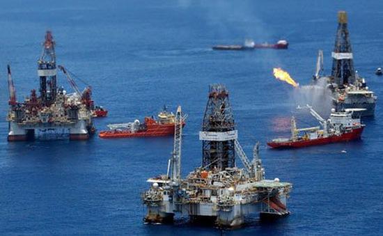 """Ngành khai thác tại Mỹ """"gặp họa"""" vì giá dầu thấp"""