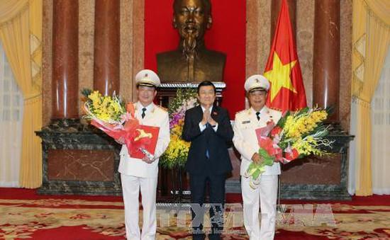 Chủ tịch nước phong và thăng hàm Thượng tướng cho hai Thứ trưởng Bộ  Công an