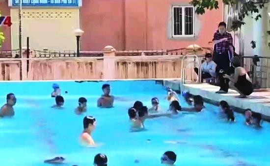 Hà Nội phổ cập bơi cho học sinh tiểu học