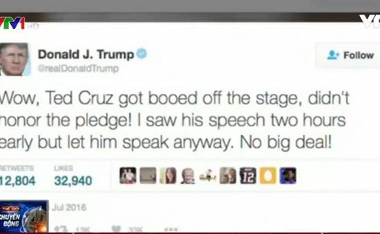 Donald Trump hôn gió ứng viên Phó Tổng thống Mike Pence