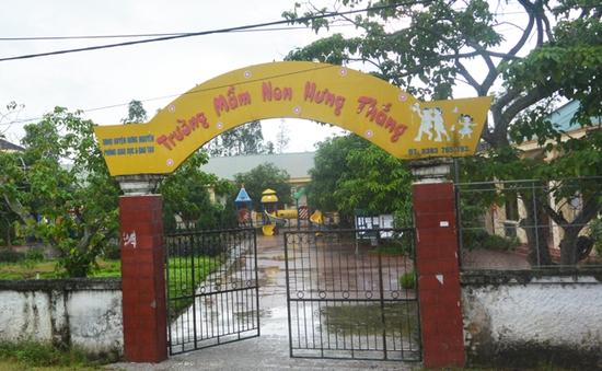 Nghệ An: Phản đối trường lạm thu, phụ huynh cho con nghỉ học