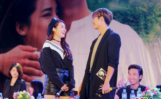"""Nhã Phương tự tin """"bắn"""" tiếng Hàn như gió bên Kang Tae Oh"""