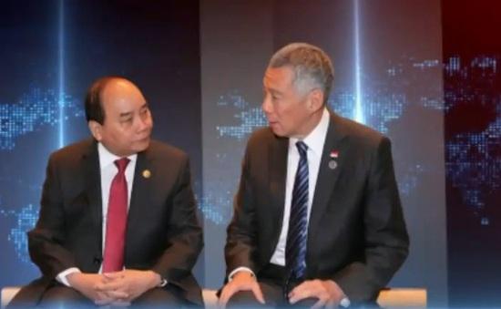 Thủ tướng Nguyễn Xuân Phúc hội kiến Thủ tướng Singapore
