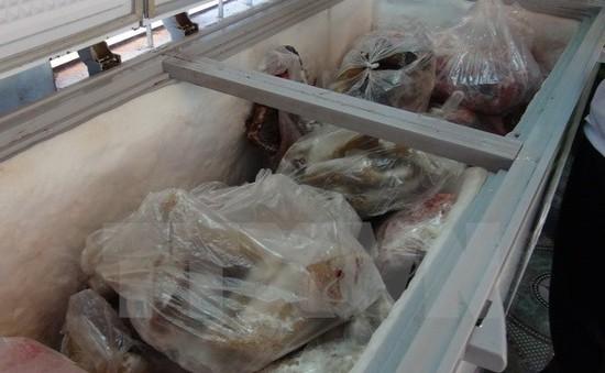 Long An tiêu hủy hơn 1 tấn thịt bẩn