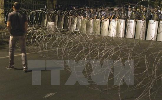Armenia: Nhóm vũ trang chiếm trụ sở cảnh sát đầu hàng