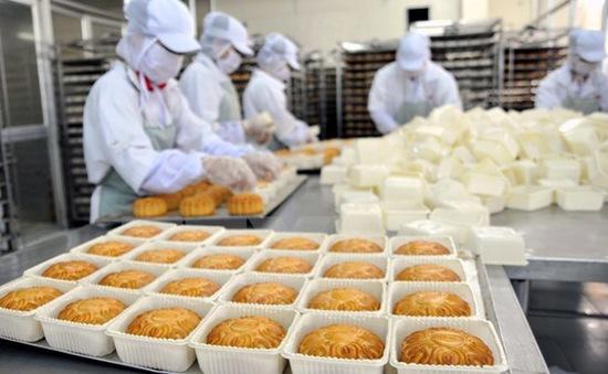 Kiểm tra thực phẩm phục vụ Tết Trung thu tại 12 tỉnh thành