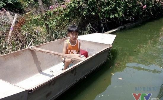Sau bão, hàng trăm hộ dân Hà Nội vẫn ngập trong biển nước