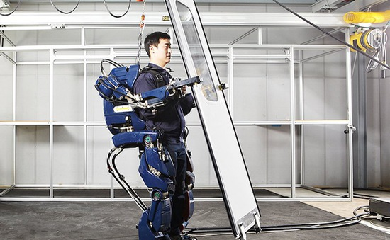 """Áo giáp robot sẽ sớm có mặt trên thị trường với mức giá """"cắt cổ"""""""