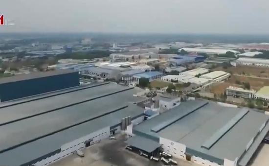 """Cận cảnh """"siêu nhà máy"""" sữa bậc nhất thế giới của Vinamilk"""
